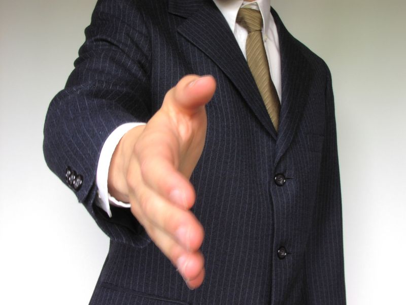 1720-business-man-offering-hand-shake-pv